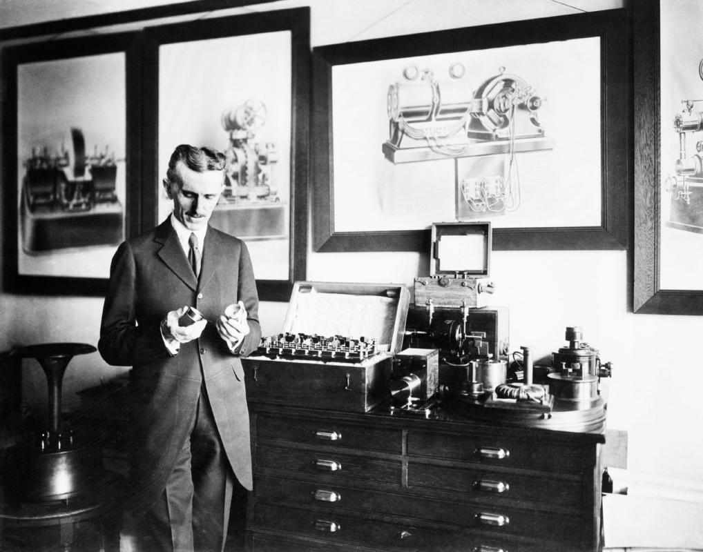 Crazy scientist Nikola Tesla (HD picture 3)